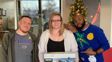 98.9 Radio Now Photos - Pick A Present Winners 2018