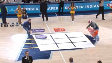Chuck Dizzle - Dudes Fail Miserably At A Tic Tac Toe Game On Live TV!