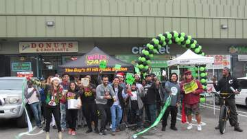 Photos - Cricket Wireless Grand Opening w/ Crystal | Oakland | 12.15.18