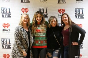 Carly Pearce M&G | Acoustic Christmas