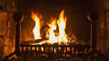 Bama, Rob & Heather - KFC Is Selling Logs For Your Fireplace That Smell Like Fried Chicken!