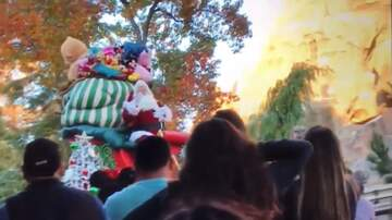 National News - Santa Nearly Falls Off Float During Disneyland Parade