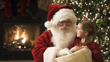 Web Trending News - Santa Makes Special Deliveries To Kids Of Military Families