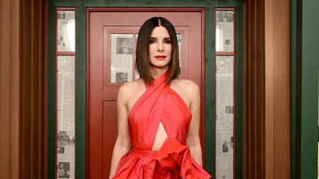 Sisanie - Why Sandra Bullock's Kids Only Get '3 Small' Gifts At Christmas
