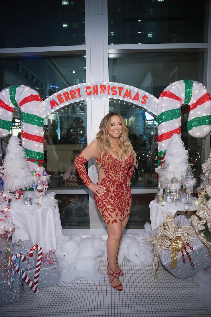 Iheartradio Christmas.Mariah Carey Curated Her Own Christmas Playlist On