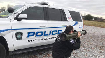 Weird News - Tennessee Police Warn Speeders With Photo Of Cop Pointing AT-4 At The Road