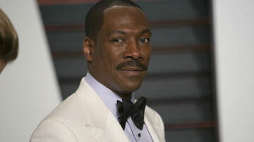 Trending - Eddie Murphy Poses For Rare Photo With All 10 Of His Children