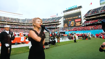 Ellen K - American Idol's Haley Reinhart Gives Amazing Holiday Bowl Performance