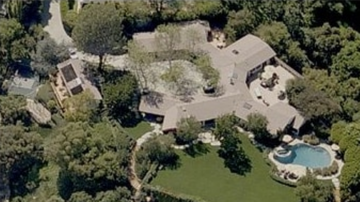 Colt - Adam Levine's Mansion has more Bathrooms than my Bank Account Has Dollars