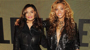 Entertainment - Beyonce Sings Happy Birthday to Mom Tina Knowles Lawson at Surprise Party