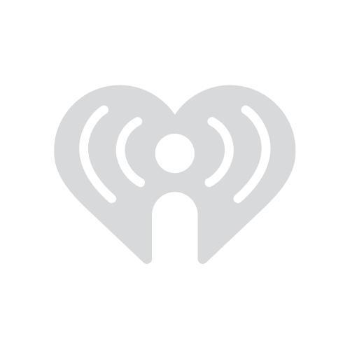 Instagram Bikini Model Model Shower Fail  Dzl  Iheartradio-3630