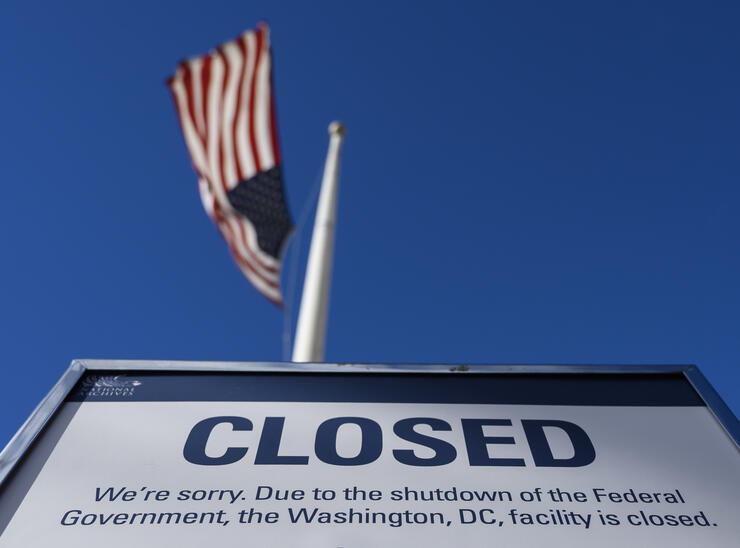 restaurants across the country offering free meals to federal employees affected by the shutdown