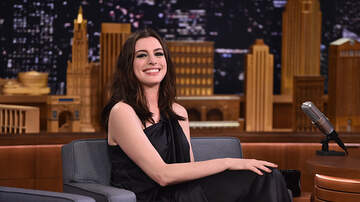 Double-L - Anne Hathaway Only Uses Social Media 15-Minutes At A Time