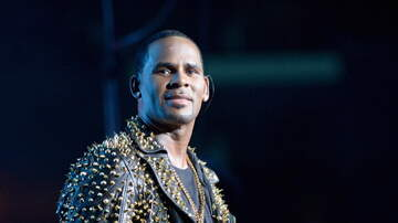Shay Diddy - R Kelly Spotted Clubbing In Chicago Celebrating His Birthday