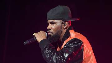 Cougar Bait - R Kelly Performs At Chicago Club