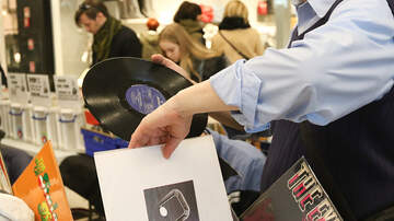 Walton And Johnson - Study: 1 in 4 Young People Want Ashes Pressed Into Vinyl Record
