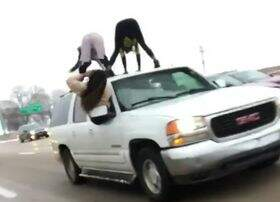 Jeremie Poplin - St. Louis coming in hot with this rooftop twerk on the highway.
