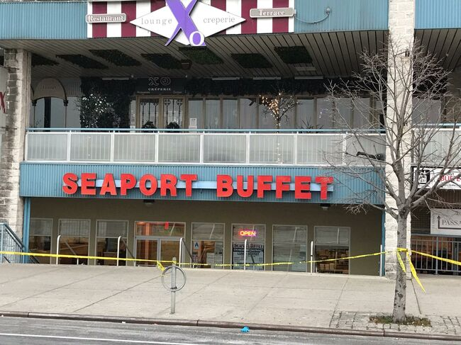 hammer attack at Seafood restaurant in Brooklyn leaves two hurt, one dead