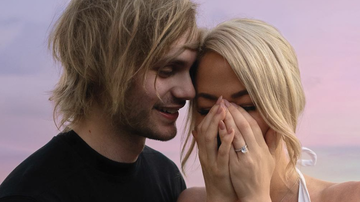 Music News - 5 Seconds Of Summer's Michael Clifford Proposes to Longtime Girlfriend