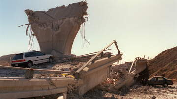 Cliff Notes on the News - PHOTOS: The Reverberations Since Northridge Earthquake