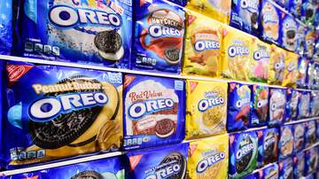 Lisa Foxx - These Massive New Oreo Cookies Are The Most Stuffed Ever!