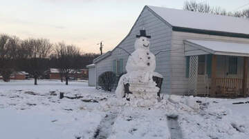 Weird News - Driver Gets Instant Karma After Running Over Giant Snowman