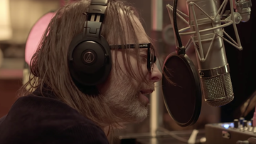 Trending - Thom Yorke Plays Radiohead's Bloom at Electric Lady Studios: Watch