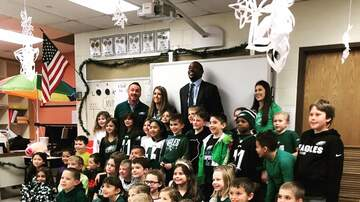 Whiskey and Randy - Alshon Jeffrey Visits Class That Wrote Him Encouraging Letters