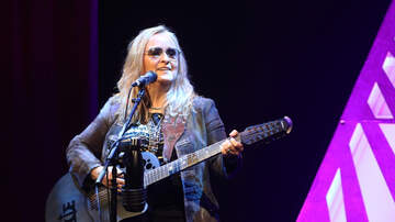 Kimberly and Beck - Melissa Etheridge to Sing Anthem at Chiefs-Patriots Game