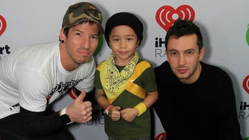 Entertainment News - twenty one pilots Meet Adorable Josh Dun Mini-Me at iHeartRadio ALTer EGO