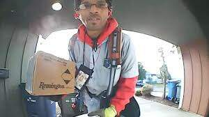 JoMaestro - VIDEO: This Mailman Is So NICE That He's Gone VIRAL
