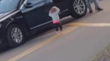 Noticias Nacionales - Video Shows Toddler Putting Her Hands Up As Parents Arrested At Gunpoint
