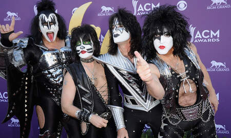 Rock News - KISS Is Giving Free Meals to TSA Employees at Rock & Brews Restaurants