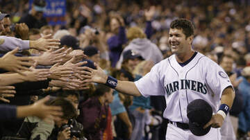 Seattle Mariners - Edgar Martinez named to Hall of Fame in final year of eligibility