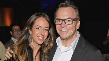 John Elliott - Tom Arnold splits from wife of 10 years Ashley Groussman