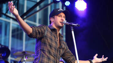 Music News - Luke Bryan Teaches His Kids How To Make Homemade Snow