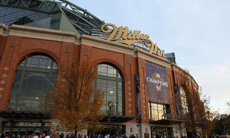 Brewers - Brewers announce American Family Insurance acquires stadium naming rights