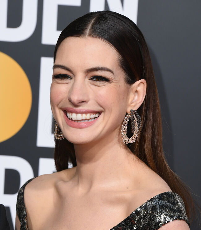 Anne Hathaway Ellen Drinking: Celebrities Who Don't Drink