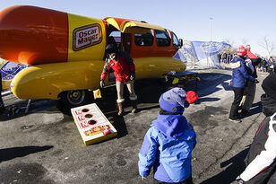 Oscar Mayer Looking For People To Drive The Iconic Weinermobile