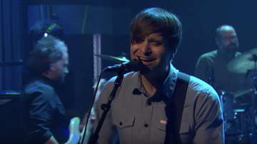 Music News - Death Cab For Cutie Perform Northern Lights On 'Seth Meyers': Watch