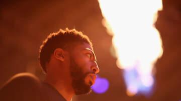 Louisiana Sports - Pelicans: Davis Injured Shoulder Vs Thunder