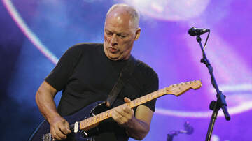 Ken Dashow - David Gilmour to Sell Over 120 Guitars in Charity Auction