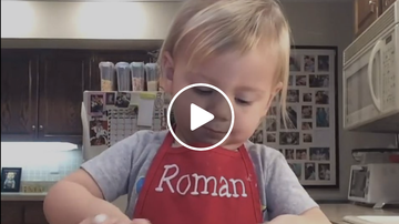 Rachel Ramsey - Watch this 2 year old hilariously make Lasagna
