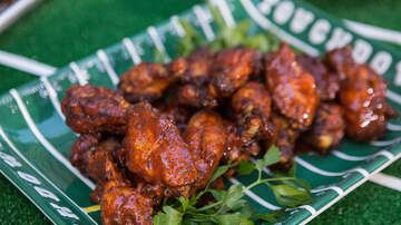 Charlie Munson - Super Bowl Sunday's All About The Wings