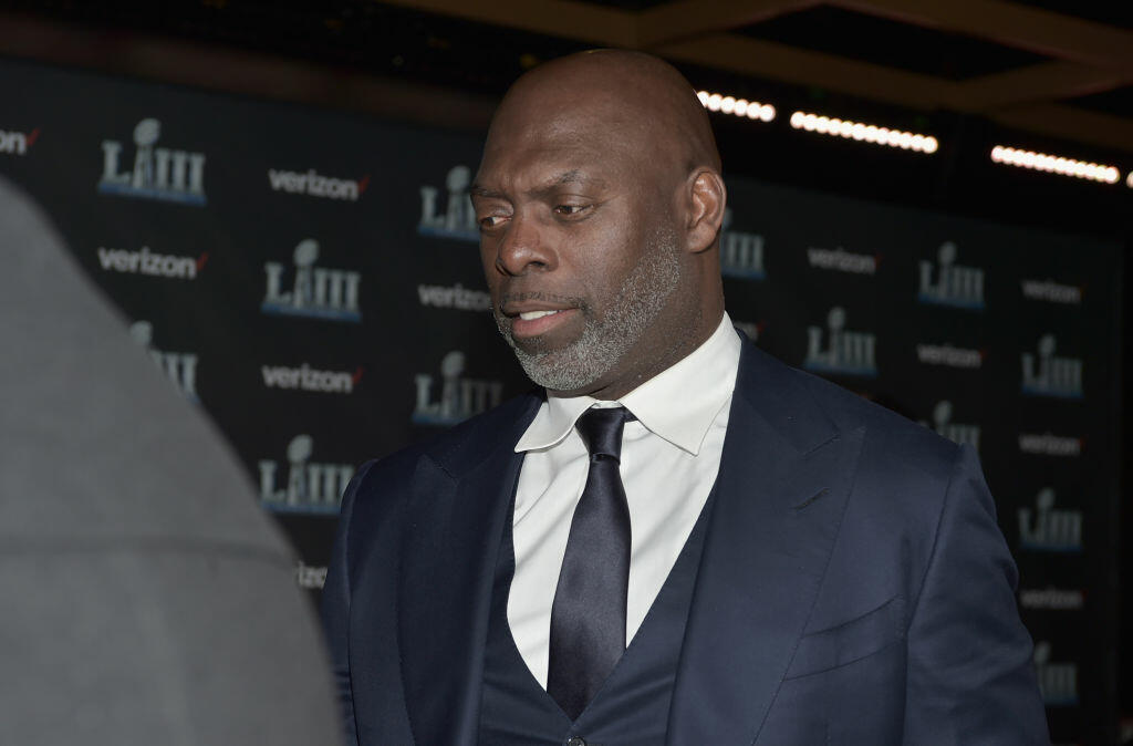 Chargers' Anthony Lynn Meets First Responders Who Saved Him
