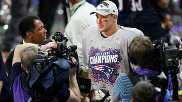 The KFAN Bits Page - Gronkowski makes 2 key caches in what could be his last game | KFAN 100.3