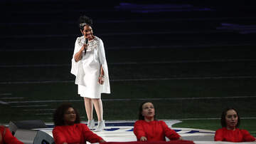 Mimi Brown - Gladys Knight's Sings The National Anthem Beautifully