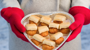Bobby Bones - Food World: Chick-fil-A Serving Up Nuggets in Heart-Shaped Container