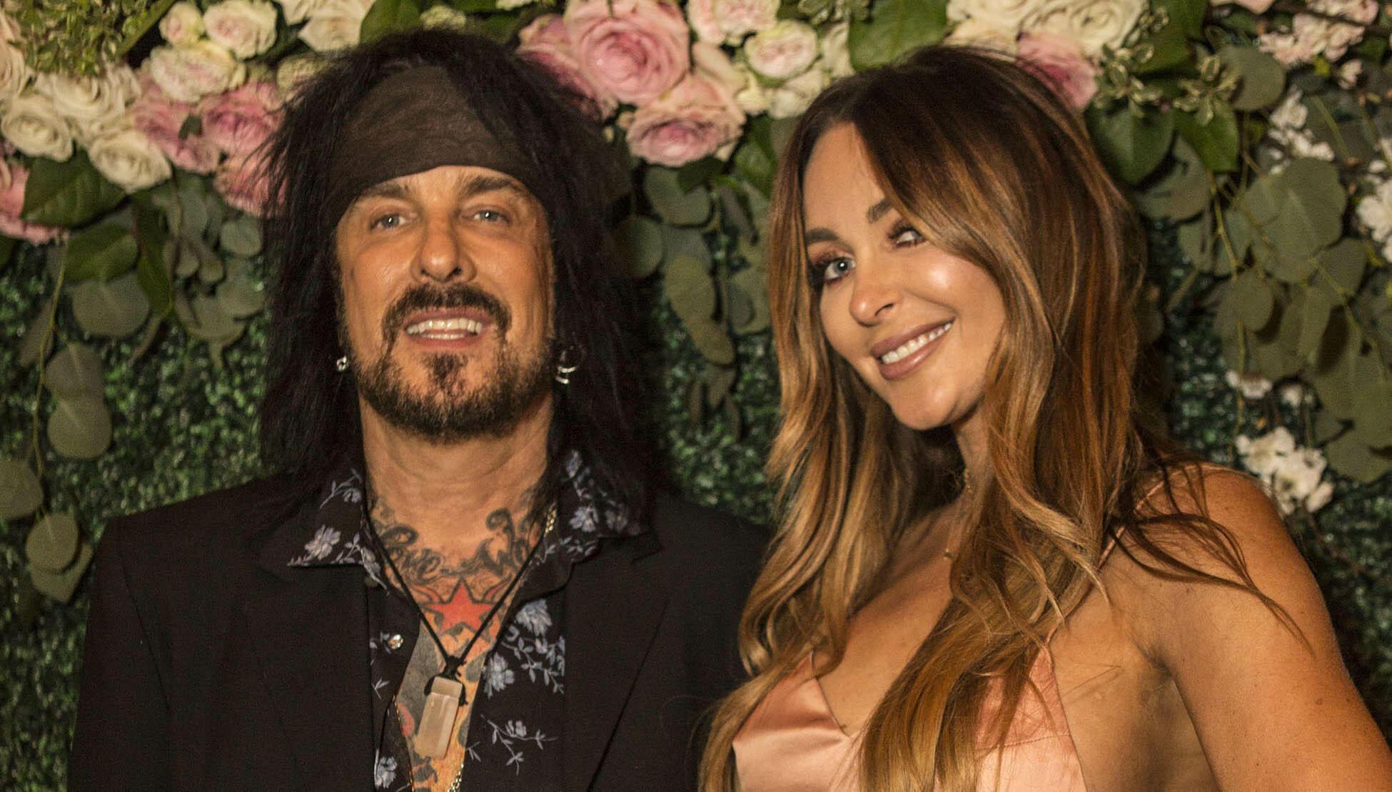Mötley Crüe's Nikki Sixx, Wife Courtney Are Expecting a ...