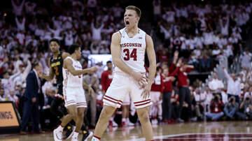 Gopher Blog - VIDEO: Wisconsin PG Brad Davison tried to trip Jordan Murphy